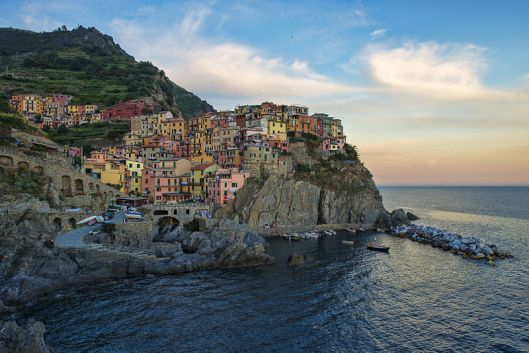 800px-1_manarola_evening_2012