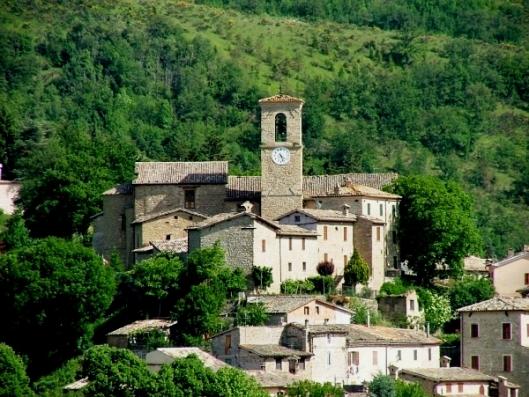 pievebovigliana-centro-storico-02_lib_comune-di-pievebovigliana