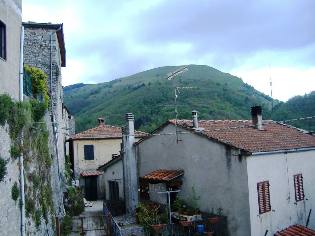 Montefegatesi bagni di lucca travelling with lyn - Bagno di lucca ...