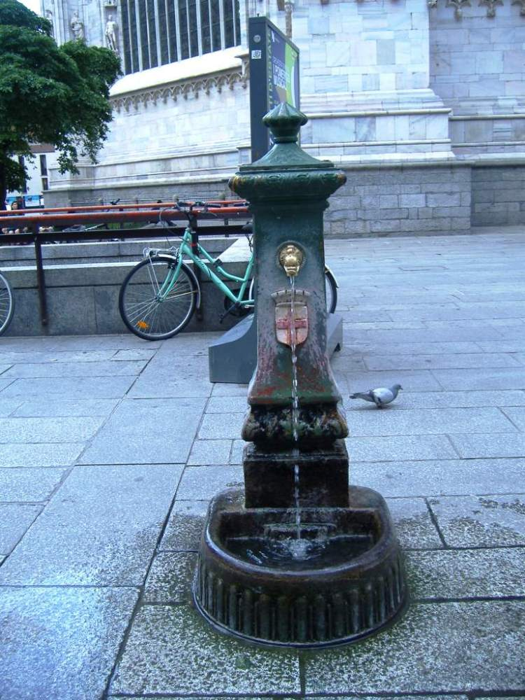 My reasons for travelling to Italy - Series - Drinking water/fountains (6/6)