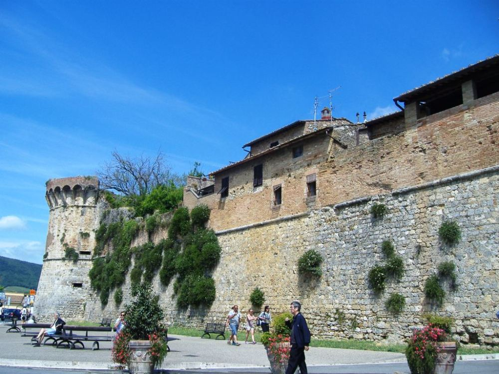 Shopping in San Gimignano (1/6)