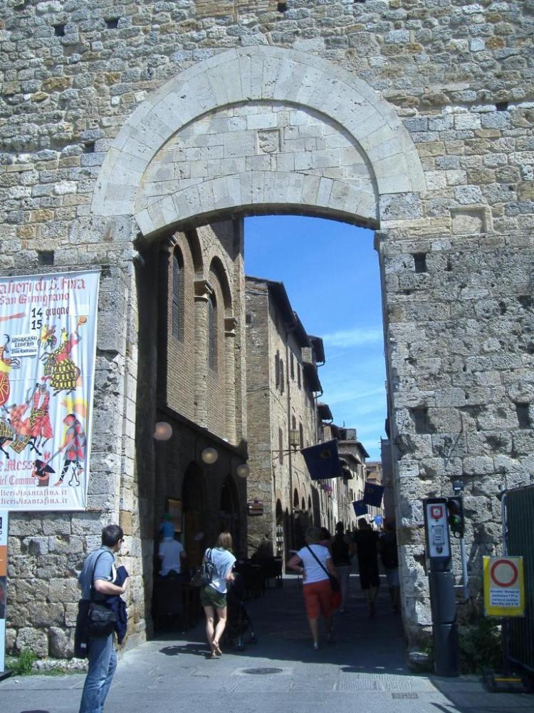 Shopping in San Gimignano (5/6)