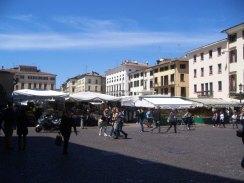 the-markets-in-piazza-dei-signori-2