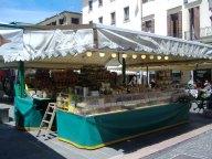 the-markets-in-piazza-dei-signori-3