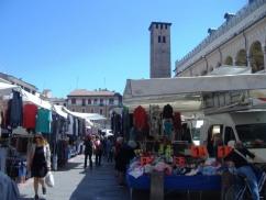 the-markets-in-piazza-dei-signori-7